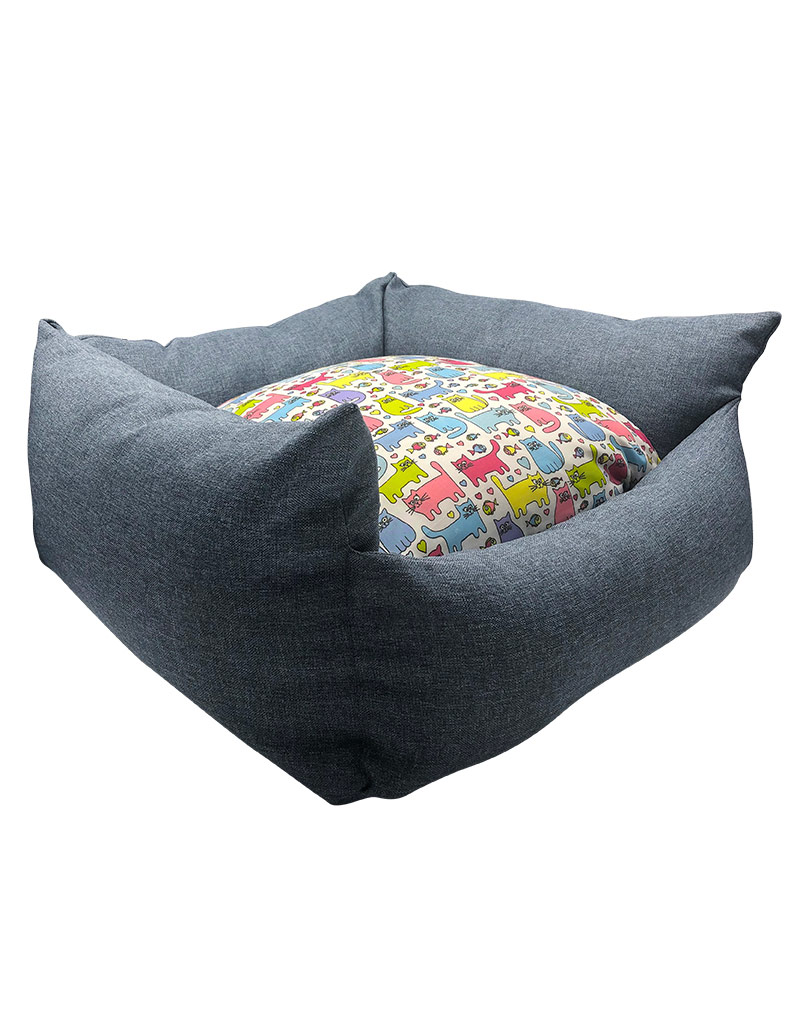blue bed – colored cushion 02